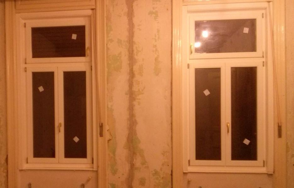 Fa ablak beépítése régi tokba